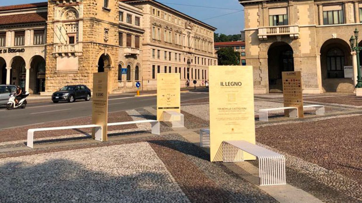 Piazza Vittorio Veneto (Bergamo) become a living room en plein air Urbantime by Diemmebi